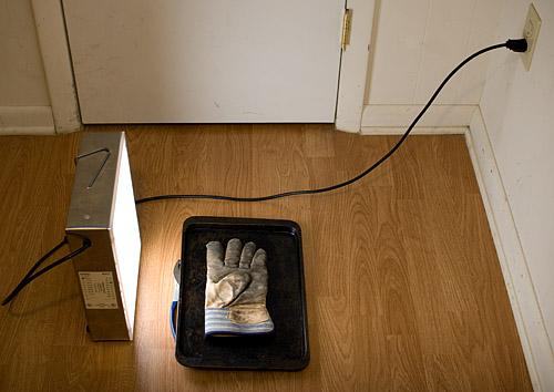 Glove_lit