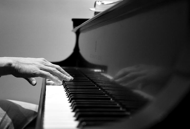 20091014_Piano Hands