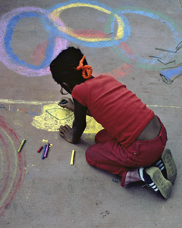 Black girl with chalk_small